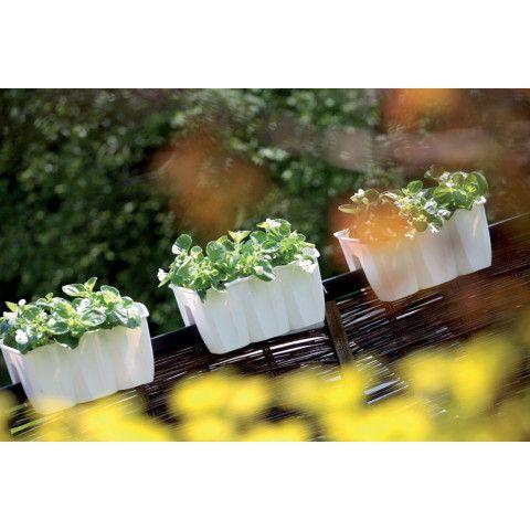 Truhlík na balkonové zábradlí - Crown 40 bílý