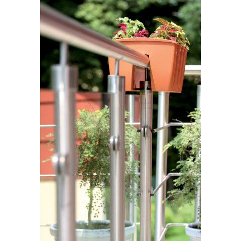 Květináč na balkonové zábradlí - Crown 24 terakota
